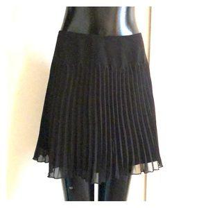 Pleated express black skirt